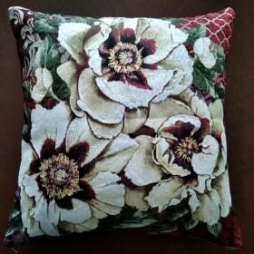 """Чехол на подушку """"Белые цветы"""""""