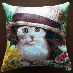 "Чехол на подушку ""Котенок в шляпе"""