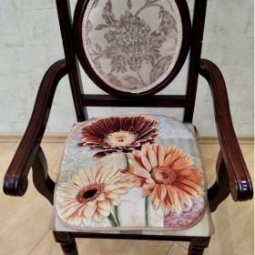 "Сиденье на стул ""Герберы"""