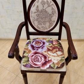 """Сиденье на стул """"Розы"""""""