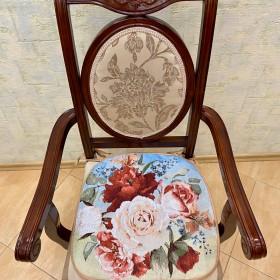 """Сиденье на стул """"Цветочная фантазия"""""""